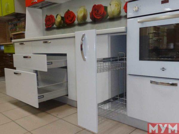 """Кухонный Гарнитур """"Розы"""""""